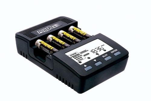 Professionele batterijlader/ analyzer voor AA en AAA batterijen