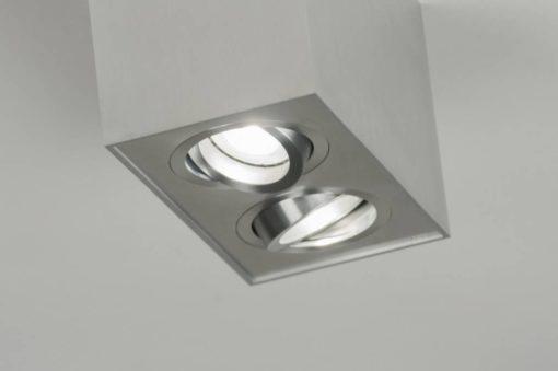 Surface en aluminium avec spot LED